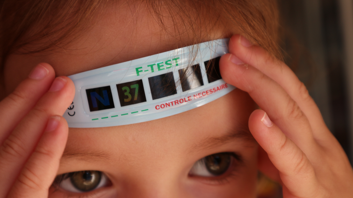 f test thermometre frontal enfant