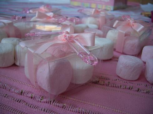 https://www.untibebe.com/wp-content/uploads/2010/11/Baby_Shower_Pink_Box-1.jpg