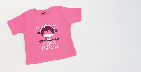 t-shirt-bebe-je-ne-suis-pas-une-fille-facile.jpg