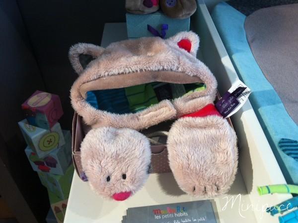bonnet-gants-les-jolis-pas-beaux-moulin-roty.jpg