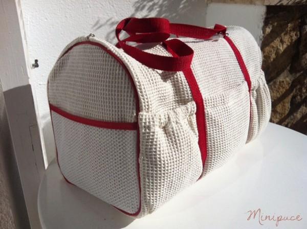 sac-a-langer-rouge-et-blanc-guigoz3.jpg