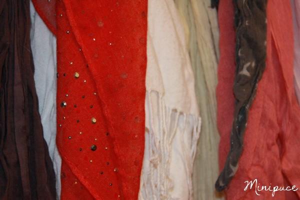 foulard-rouge-strass-promod.jpg