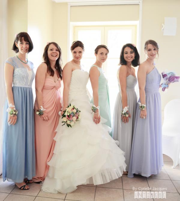demoiselles-dhonneur-robe-pastel-mariée-mariage1