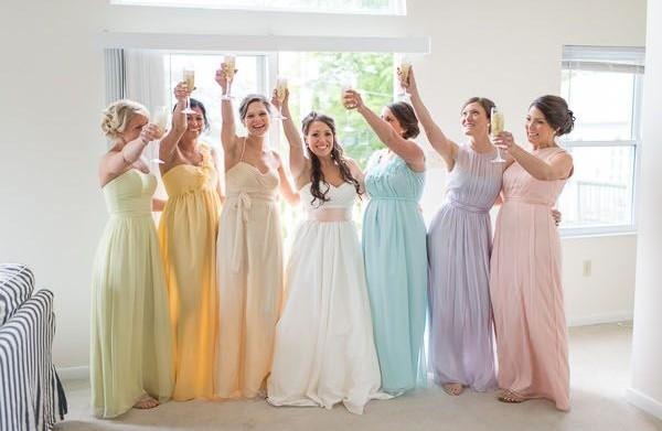 En tenues demoiselles d 39 honneur for Robes de demoiselle d honneur pour le mariage d automne en plein air