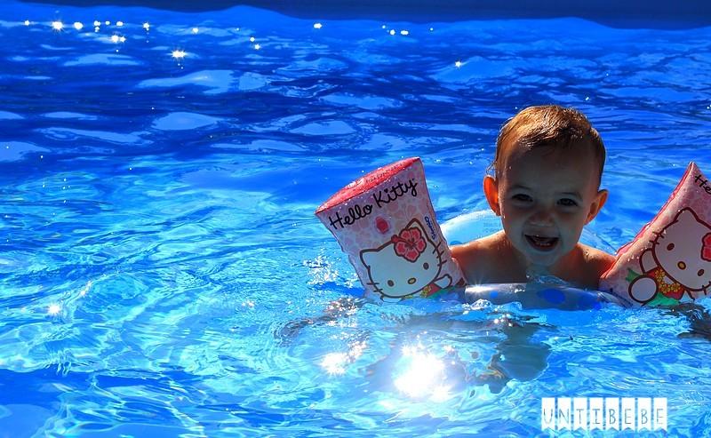 bébé flotteurs brassards piscine