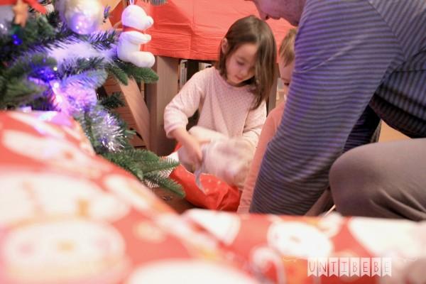 noel 2015 ouverture paquets enfant