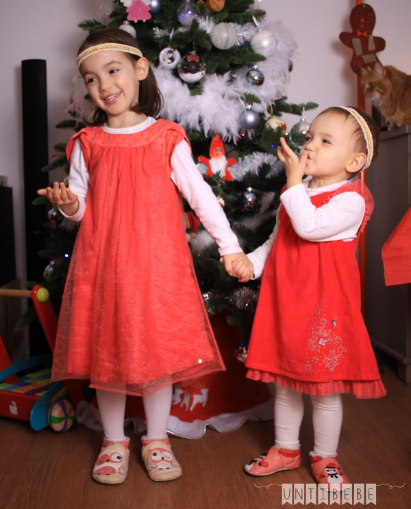 tai-aina robes tenues fete velours rouge enfant