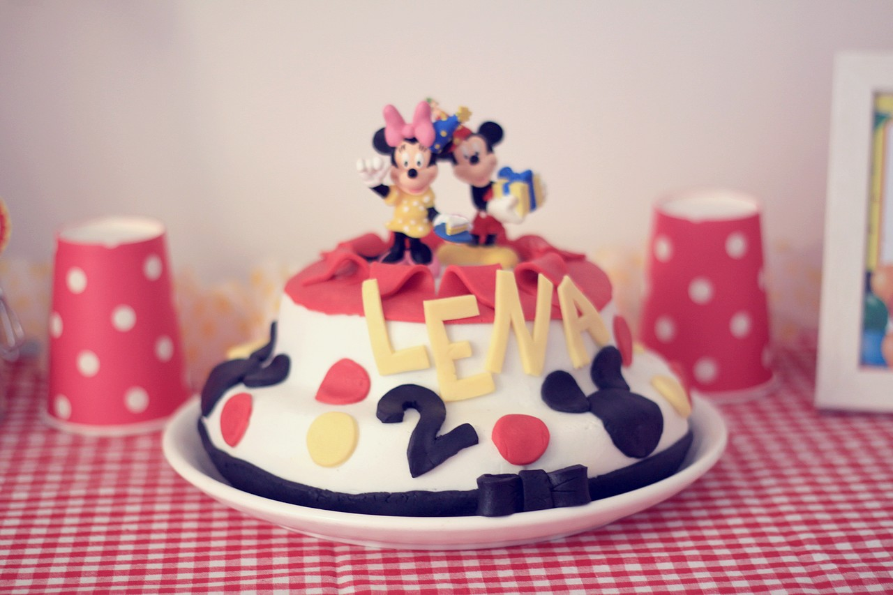 Tutoriel facile de g teau d anniversaire mickey minnie diy facile r aliser untibebe - Gateau mickey facile ...