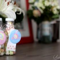 bouteille bonbons enfant cadeau mariage badge