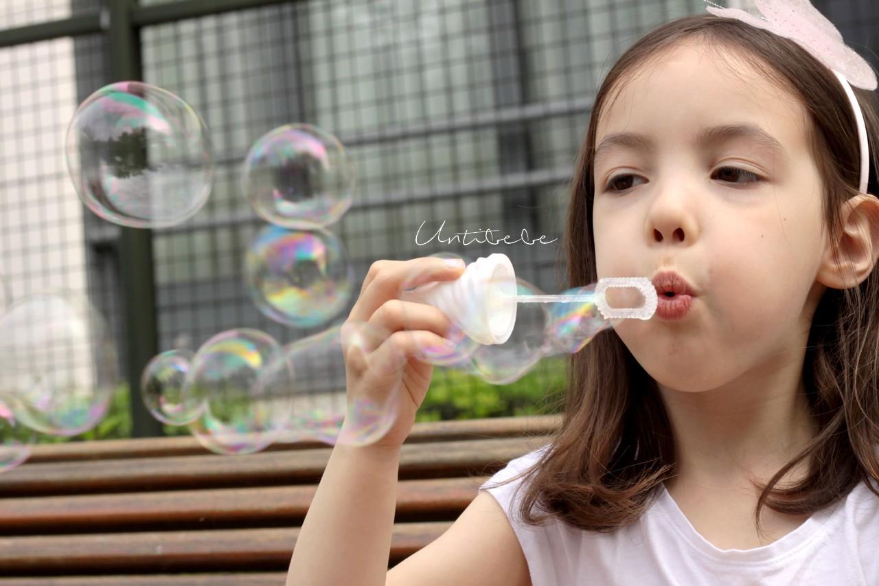 bulles de savon enfant