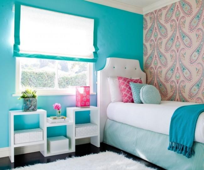 chambre-enfants-meubles-blancs-mur-turquoise-papier-peint
