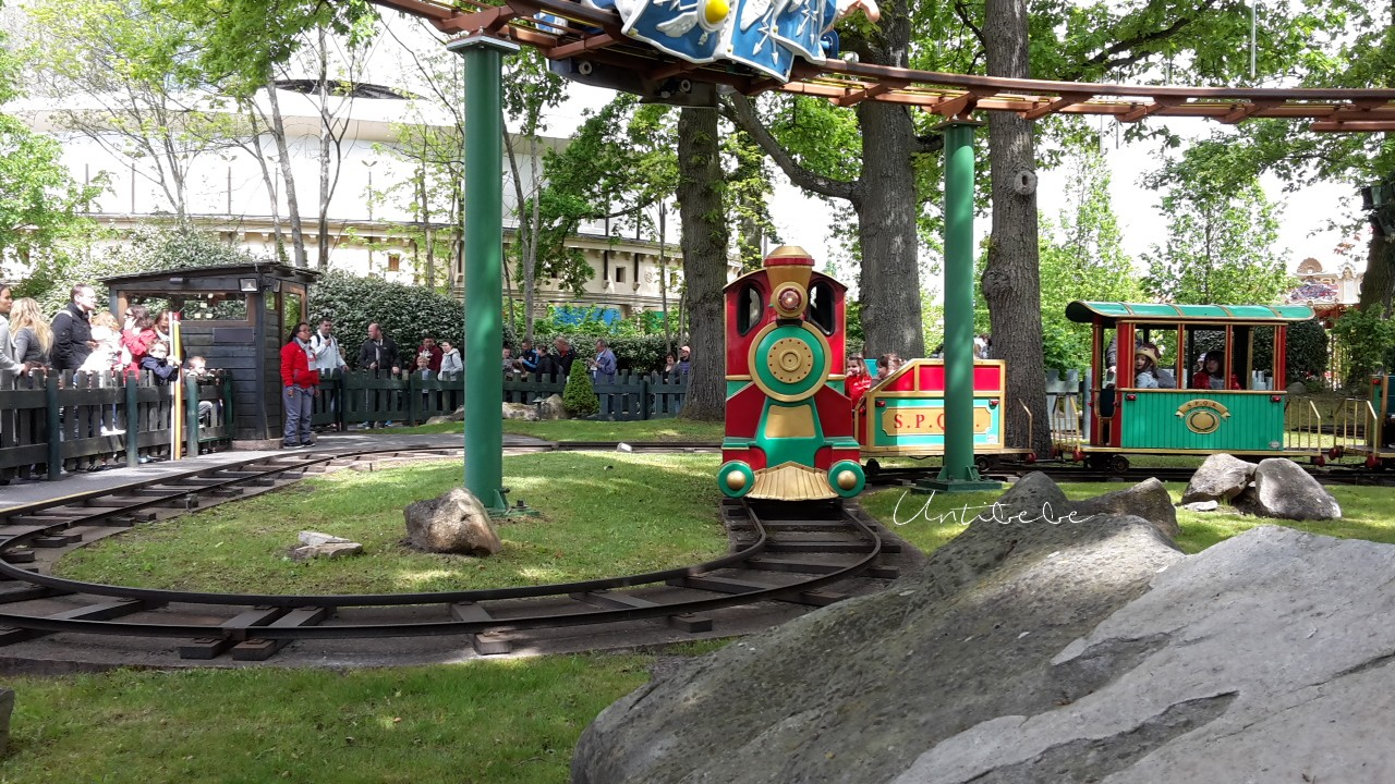petit train parc asterix
