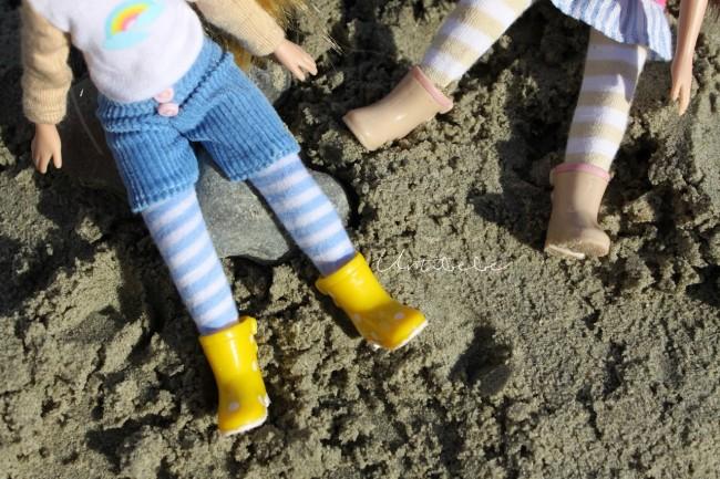 poupées lottie a la plage