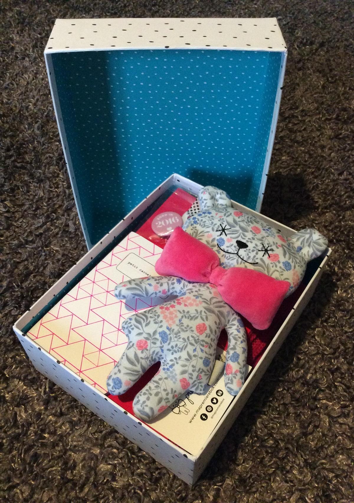 ma premi re box un cadeau de naissance utile et original. Black Bedroom Furniture Sets. Home Design Ideas