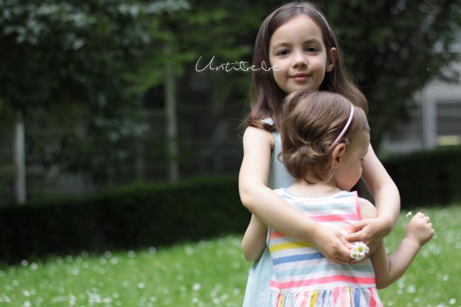calin entre soeurs