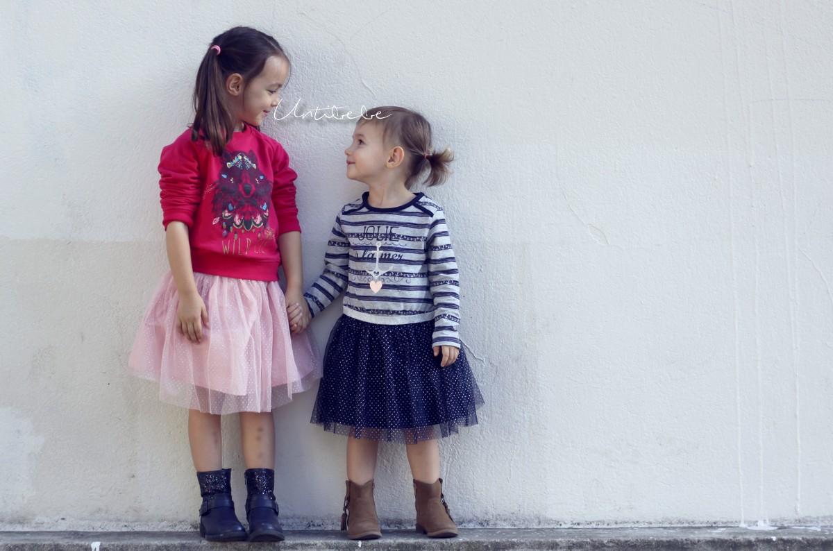 2-filles-avec-jupons