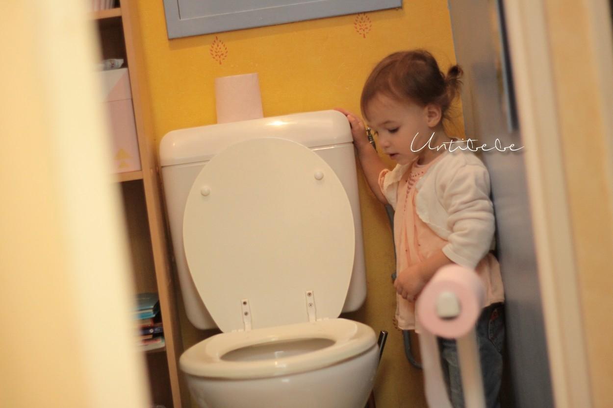 enfant-toilettes