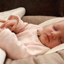 nurse-de-nuit-nounou-baby-sitter-vignette