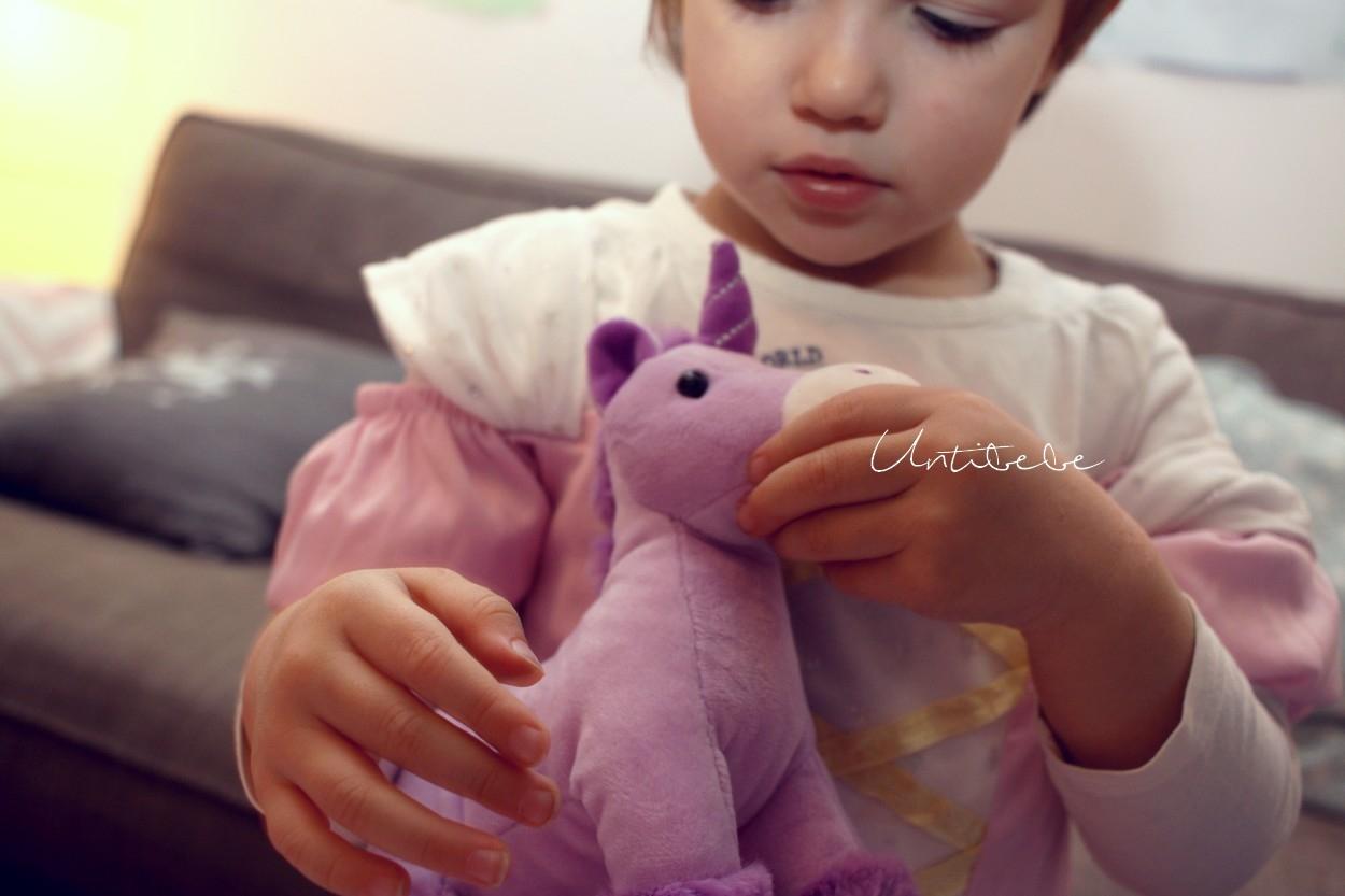 licorne-mauve-enfant