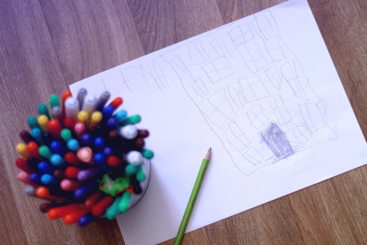 Et si les dessins de maison de nos enfants avaient une signification - Dessin maison enfant ...
