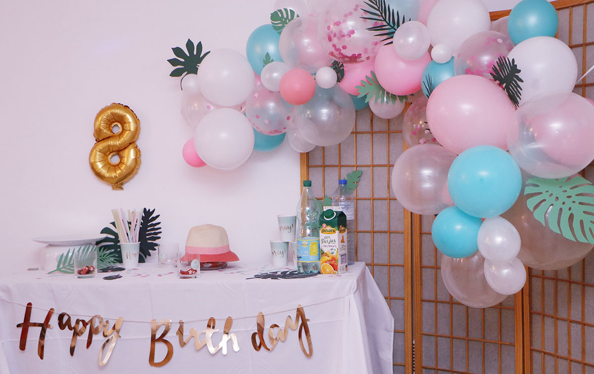 anniversaire tropical theme ballons