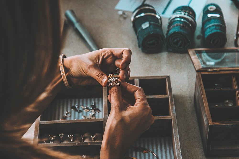 fabriquer des bijoux écolo matieres recyclées